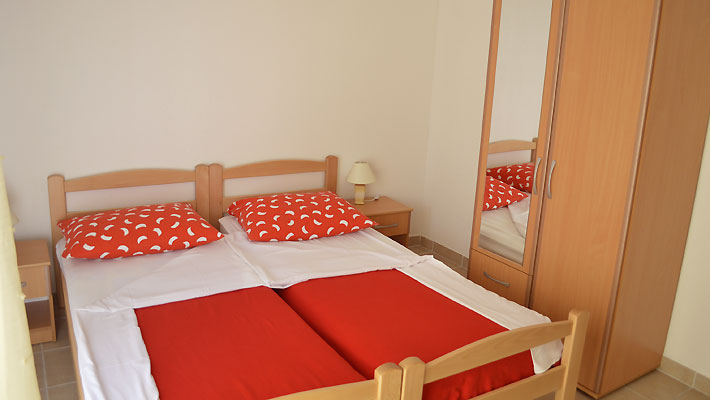 last minute pension makarska